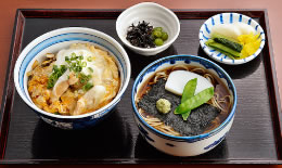 親子丼+花巻(温かいおそば)